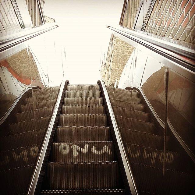 Escalator - Photo de @yz123yz.123