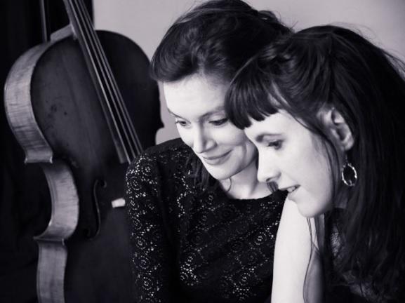 «Maw Maw», un duo enchanteur en concert privé chez les Thénardiers