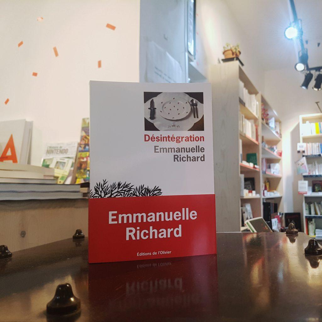 Désintégration Emmanuelle Richard