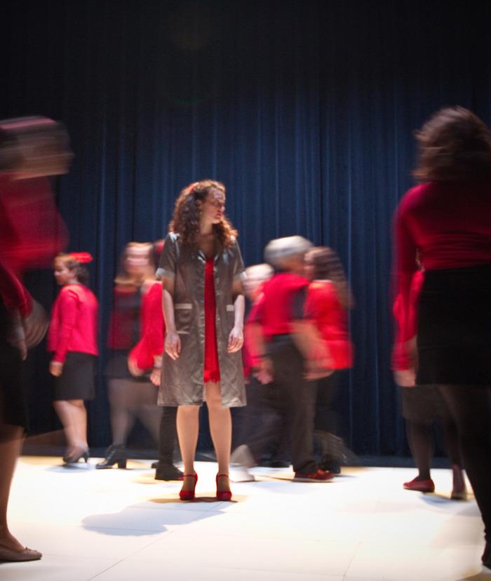 Choeur de Femmes au Théâtre des Roches avec la Cie Sapiens Brushing